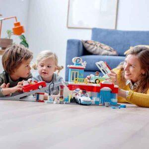 LEGO DUPLO Town 10948 – Паркинг и автомивка