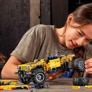 LEGO® Technic 42122 – Jeep